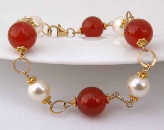 Carnelian and Pearl Bracelet, Gold Filled, Natural Gemstone Chain and Link, Coral Autumn, Orange Fall Fashion Gift for Her, Handmade Jewelry