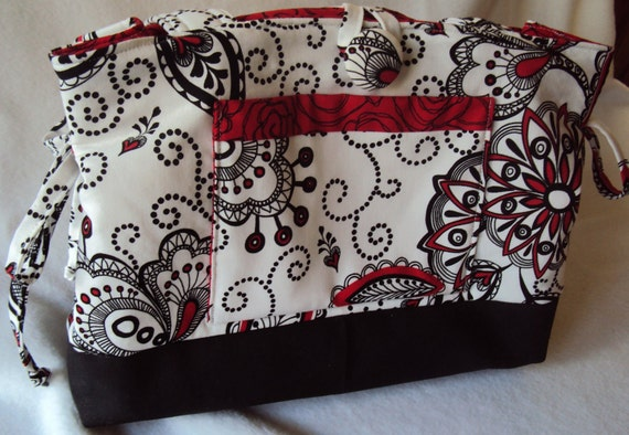 White Red Black Purse - Medium/Small - Reg 29.99