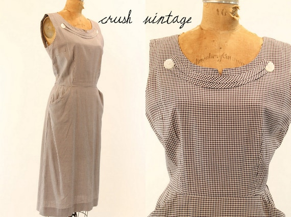 Vintage 50's Dress Medium / 1950s Cotton Dress  /  Gingham Picnic Frock
