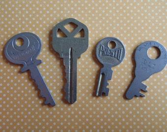 Vintage old keys- Steampunk - Altered art W3