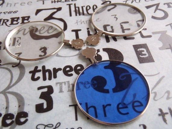 Vintage old optical lenses - Steampunk jewlery - Altered art - Collage - Pendant - silver H92