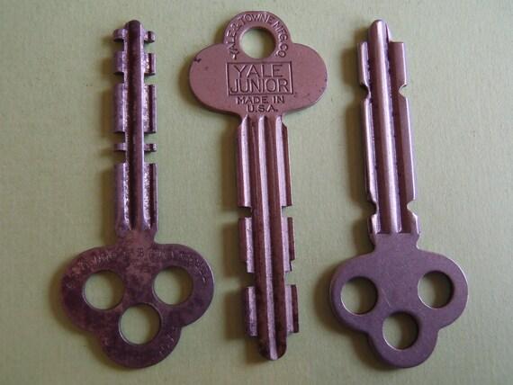 Vintage old keys- Steampunk - Altered art W93