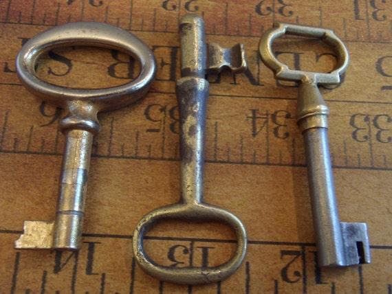 Featured - Skeleton Keys - Vintage Antique keys-  Barrel keys- Steampunk - Altered art b77
