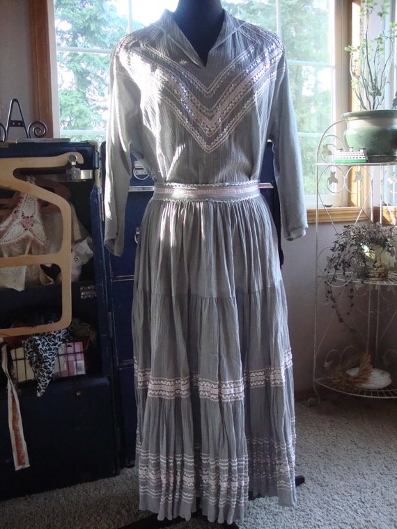 Vintage 40s/50s Fiesta Skirt and Blouse Gray Silver Pink Large Circle Skirt