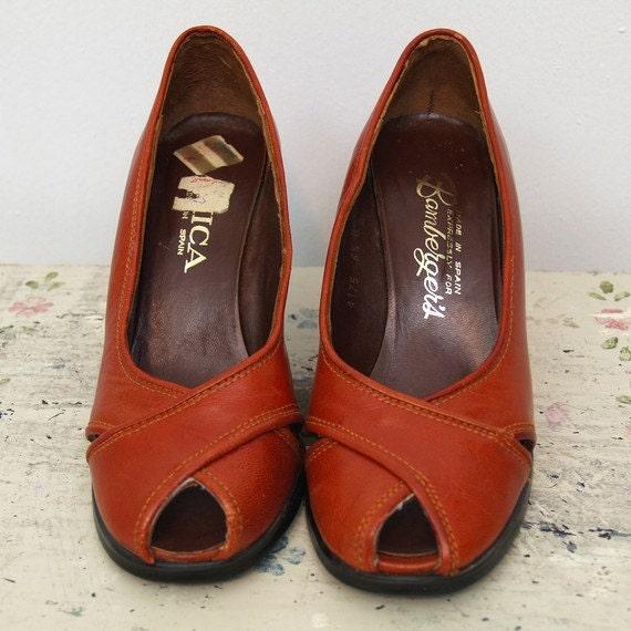 vintage 70s rust heels 6.5 - 7