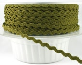 Tiny Ric Rac 3mm (1/8 inch) Moss Color (5 yards)  I7033 CWIL