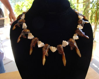 BOLD, Safari-Looking Freshwater PEARL Necklace