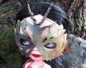 Blythe Bemasked - Leather Doll Mask for Blythe - Moss Tones