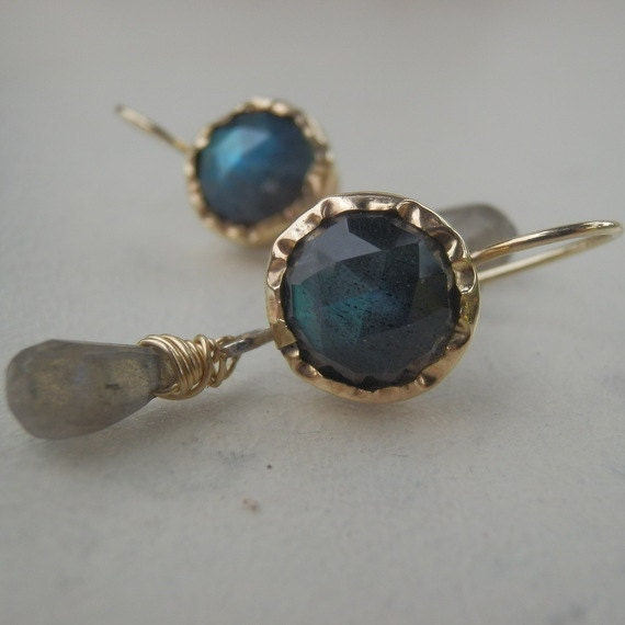 Bezel Set Earrings, Labradorite Dangle Earrings in 9K Solid Gold , Handmade Jewelry, Labradorite Jewelry