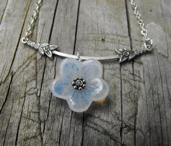 White blossom necklace