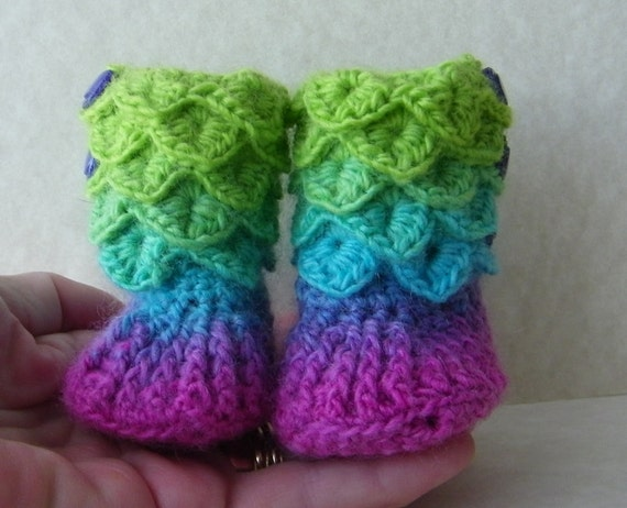 Crocodile Stitch Baby Booties - Size 0 to 6 months - Color: Lollipop