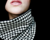 Scarf Houndstooth Black and White Cowl Neckwarmer