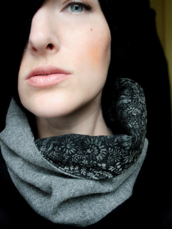 Circle Scarf Gray Wool with Cotton Floral