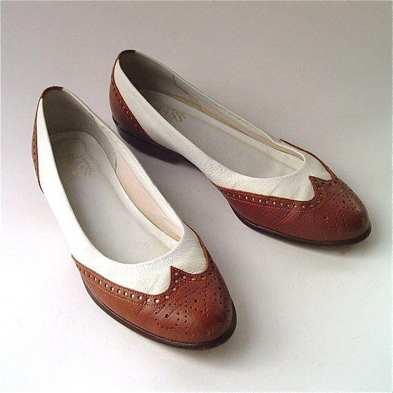 vintage bass brown and white leather spectator by