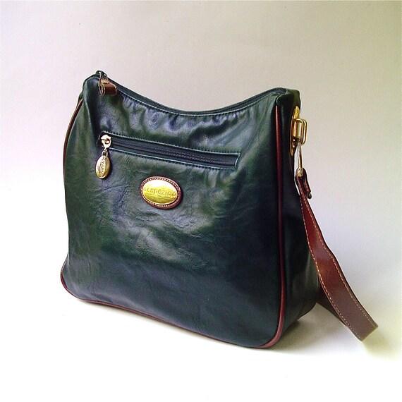 R e s e r v e d..............................80s vintage Capezio Hunter Green Faux leather Purse