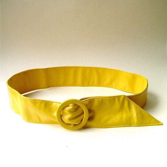 vintage Neon Yellow Faux Leather Cinch Belt