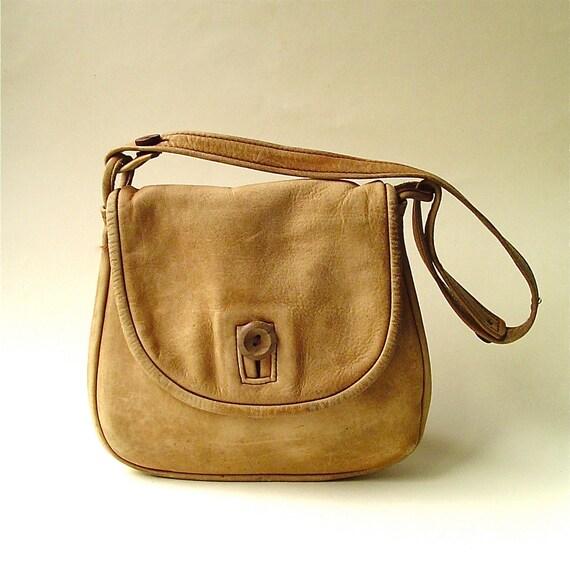 R e s e r v e d...............................70s vintage Boho Distressed Tan Leather Purse