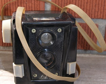 Vintage  Sears Tower NO. 1 Box Camera USA with Flash Attachment
