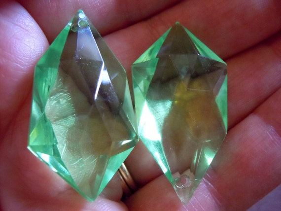 Vintage West German Peridot Green Lucite Pendants - elp186