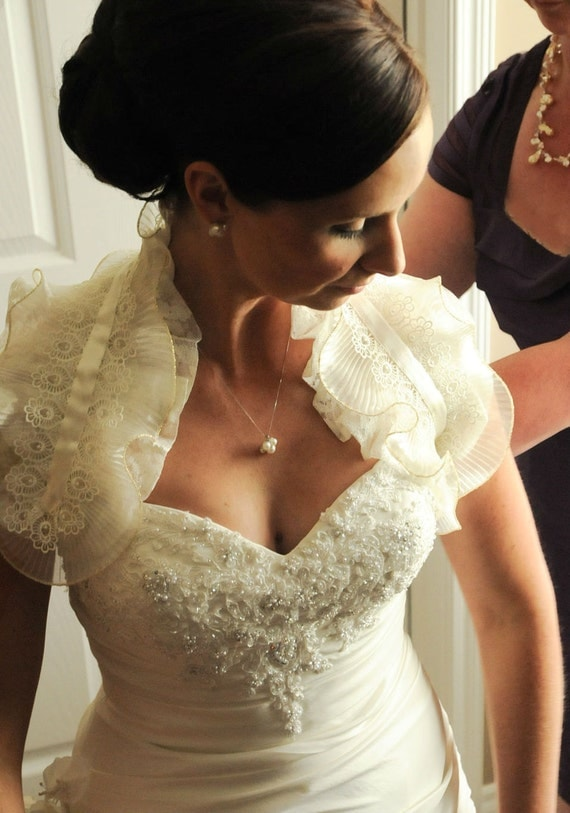 Ivory  Lace Shoulder Wrap Bridal Ruffle Bolero Wedding Shrug