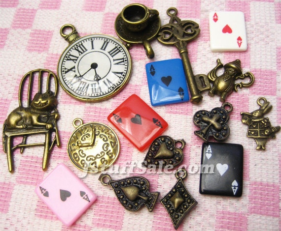 Alice in Wonderland theme charms (B) 16 pieces