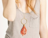 Lace necklace - Coral - Coral with gold ring & exotic shell