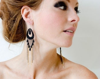 Lace earrings - GLAMOUR - Black lace with gradient of chain