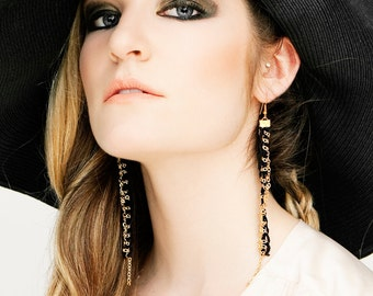 Lace earrings - SEAMS - Black lace with gold chain