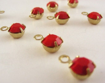 SWAROVSKI Rhinestones -  Vintage Lipstick Red Drops -  5 Pieces