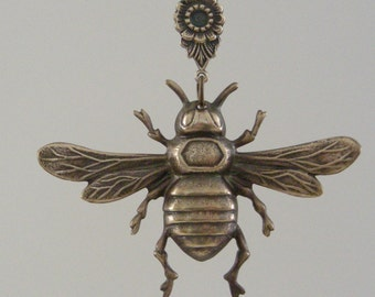 Vintage Pendant - Bee Pendant - Flower -  Vintage Brass - Large for Necklace - handmade jewelry