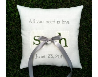 Fully customizable ring bearer pillow with lace back