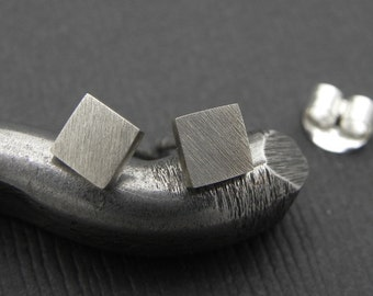 Square Earrings with Satin Finish