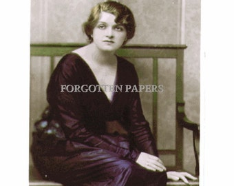 Stunning  EDWARDIAN Actress - GLADYS COOPER - Hand Tinted Vintage Unused  Real Photo Postcard