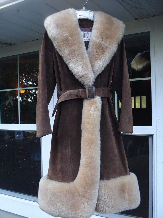 SALE REDUCED Vintage Couture Chocolate Brown Suede Sheepskin Coat Lantry Leathers Canada Size S/M