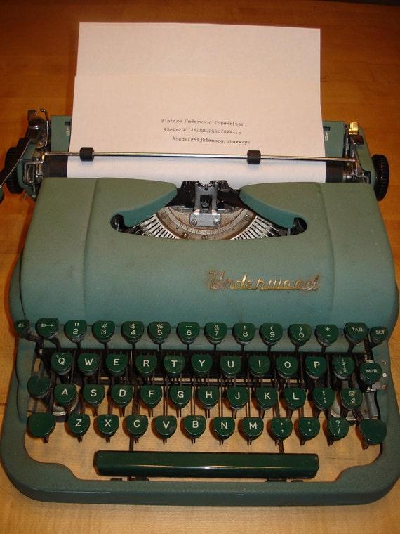 Vintage 1940s or 1950s Underwood Deluxe Green Typewriter