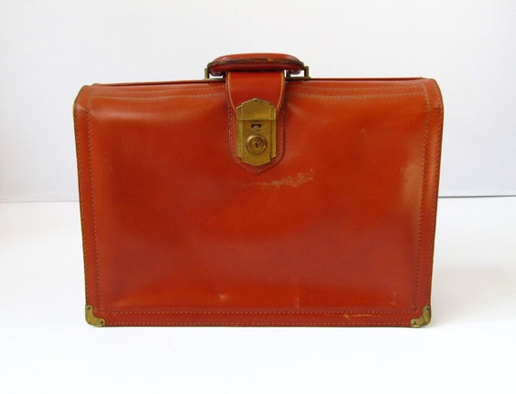 vintage Leather  Doctors Bag  /  Briefcase Rialto