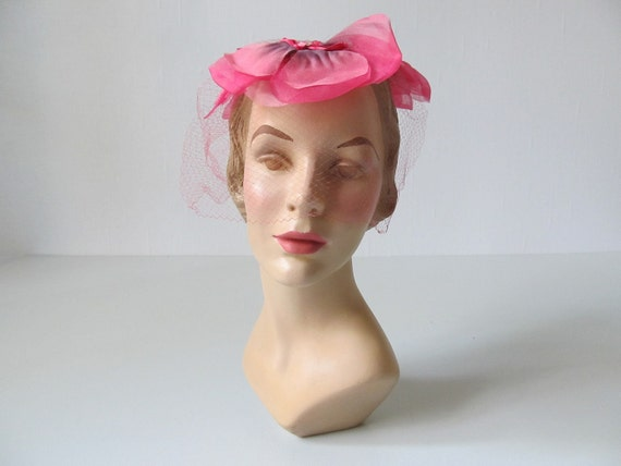 1950s Hat / 50 Hat / 1950s Fascinator / Pink Pansy