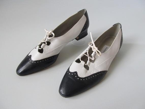 vintage Brogue Shoes / Oxford Shoes / Spectator Shoes / The Races