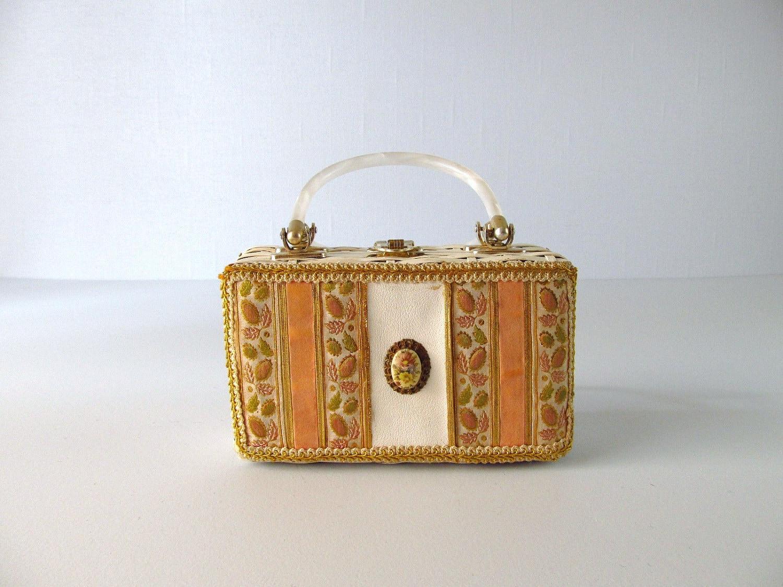 Vintage 1960s Purse 1960s Handbag Wicker Handbag Cameo