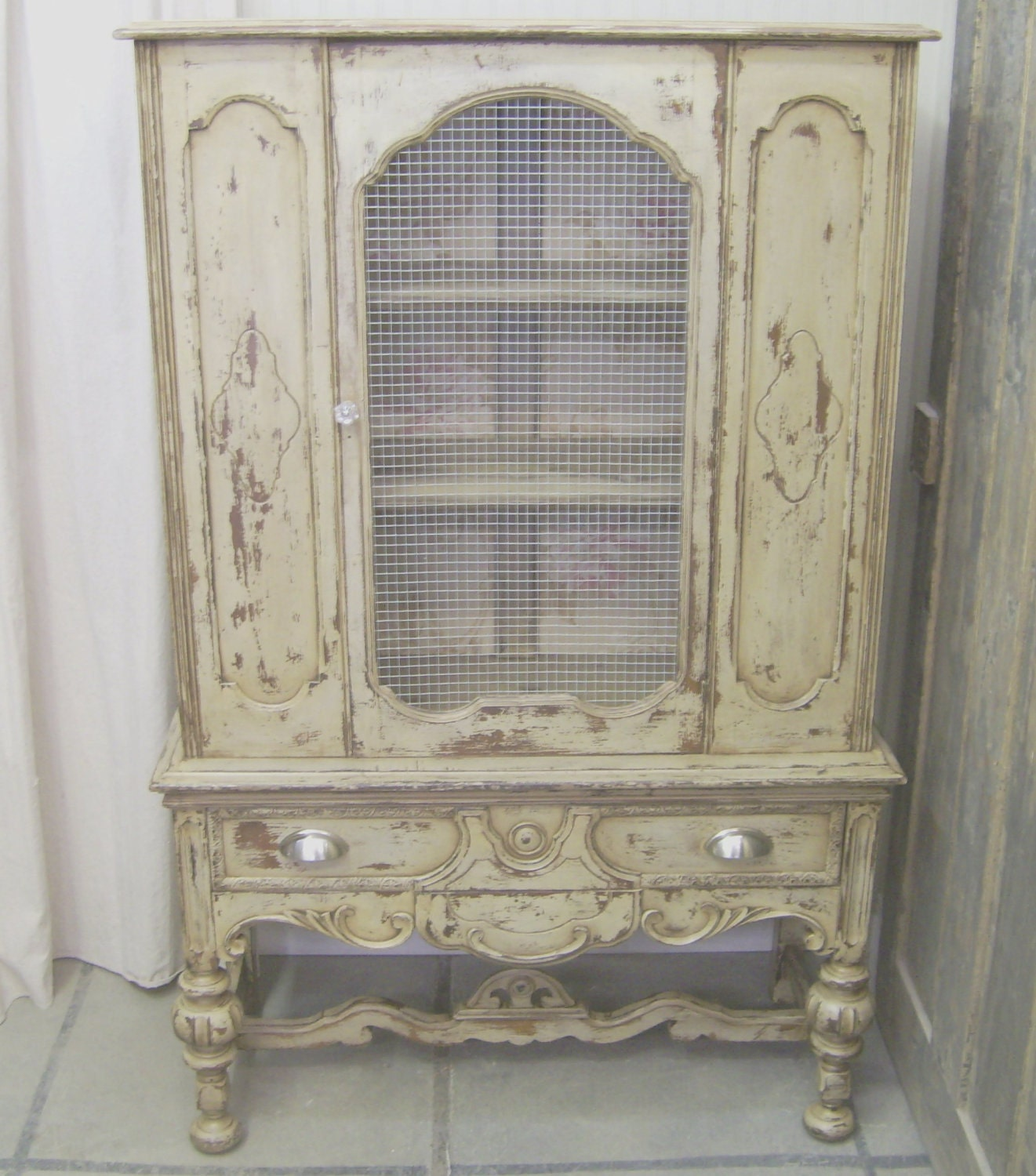 shabby latte painted 1920 39 s china cabinet chic. Black Bedroom Furniture Sets. Home Design Ideas