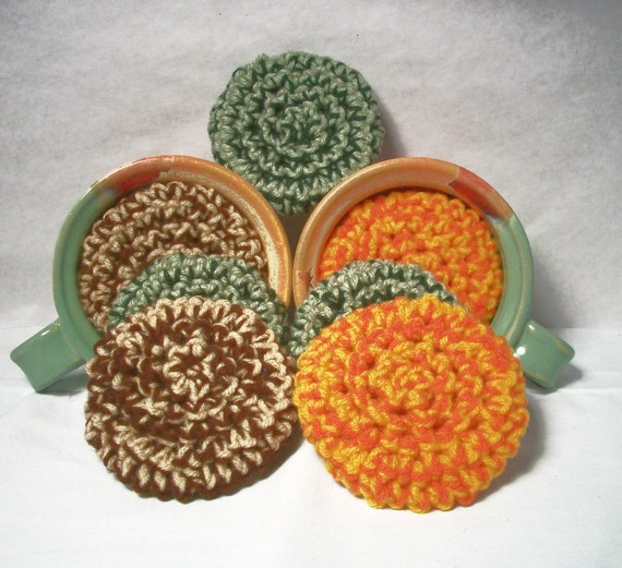 Scrubbies, made of yarn and come in a 3-pack. Eco-friendly scrubbers for the earth and the home. Mix and match your colors.