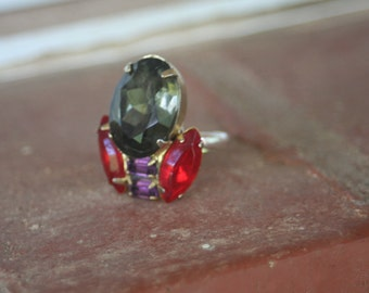 R19 Upcycled Tulip Gray Purple Red Rhinestone Adjustable Cocktail Ring