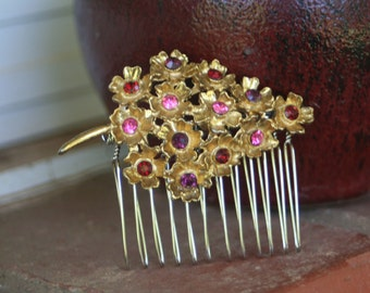 H29 GORGEOUS Red Purple Pink Rhinestone Flower Spray Vintage Upcycled Gold Leaf Hair Comb