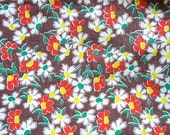 Vintage FEEDSACK HALF  Colorful Daisies Brn Bkg