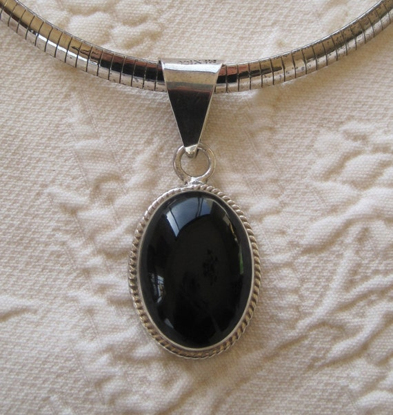 Vintage Pendant Black Onyx Sterling Silver Taxco Mexico 925