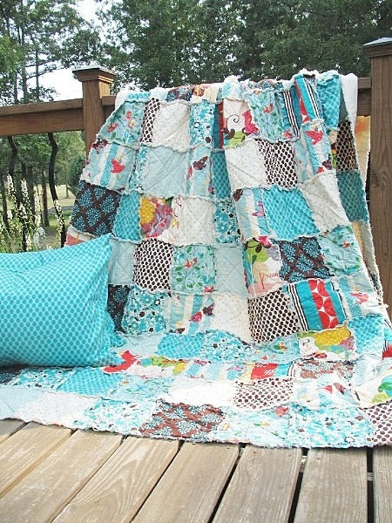 Queen Size Quilt with 2 Shams, Rag, Its a Hoot, turquoise red owls birds trees, ALL NATURAL, fresh modern handmade bedding