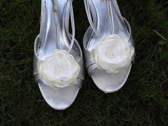 Ivory Flower Shoe Clips Set of 2