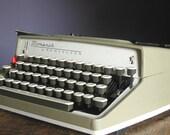 Vintage 1960s Remington Monarch Manual Typewriter