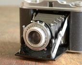 Vintage Camera .. 1950s Agfa Isolette