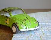 Vintage 1960s Tonka Lime Green VW Bug .. Side Winder